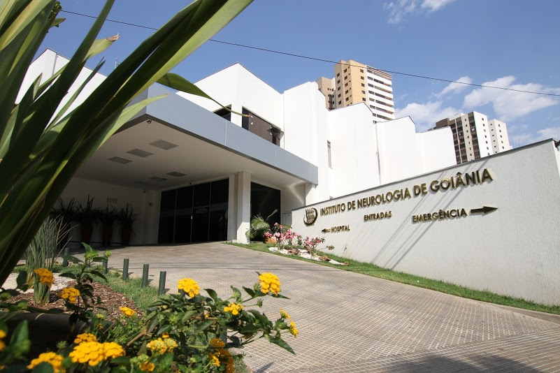 Entrada Principal do Instituto de Neurologia de Goiânia
